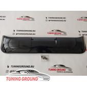 Дефлектор люка на Land Cruiser 200 2008-2019 год