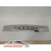 Накладка на заднюю дверь LED подсветка на Patrol Y62  2010+
